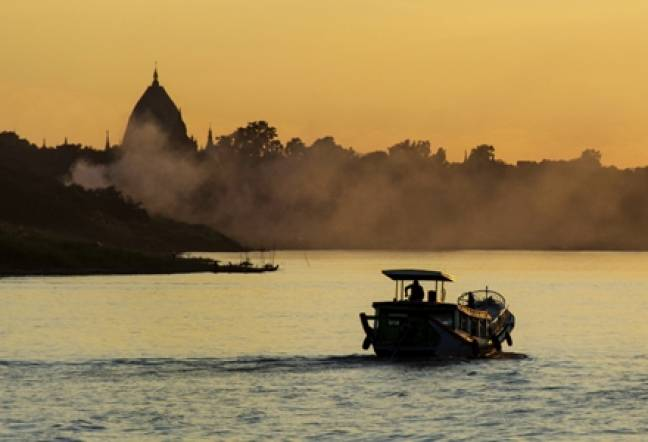 Bagan River Sunset 2 Andi Harrisonblog 440x300