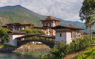 What are the top 10 things to see in Bhutan?