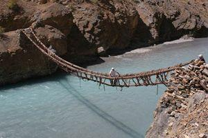 RT zanskar bridge 300x200.jpg